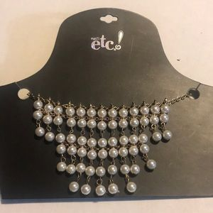 RUE21 necklace with faux pearl accents